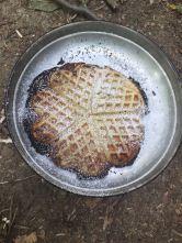 Feines Dessert gebacken auf offenem Feuer